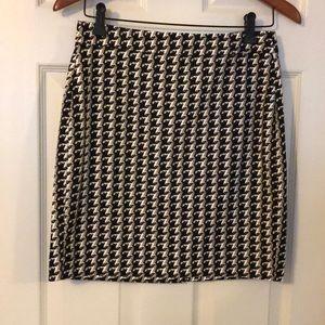 Banana Republic Houndstooth skirt